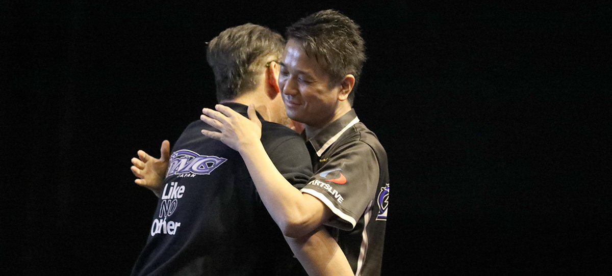 FEATURE STORY The Friendship of the Two GRAND FINAL Players